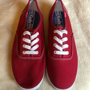 Red canvas Keds new W7 Excellent